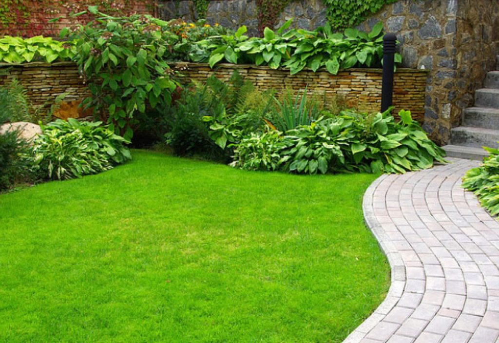 PAVERS <br> the paving stones give a special and cozy touch to the gardens